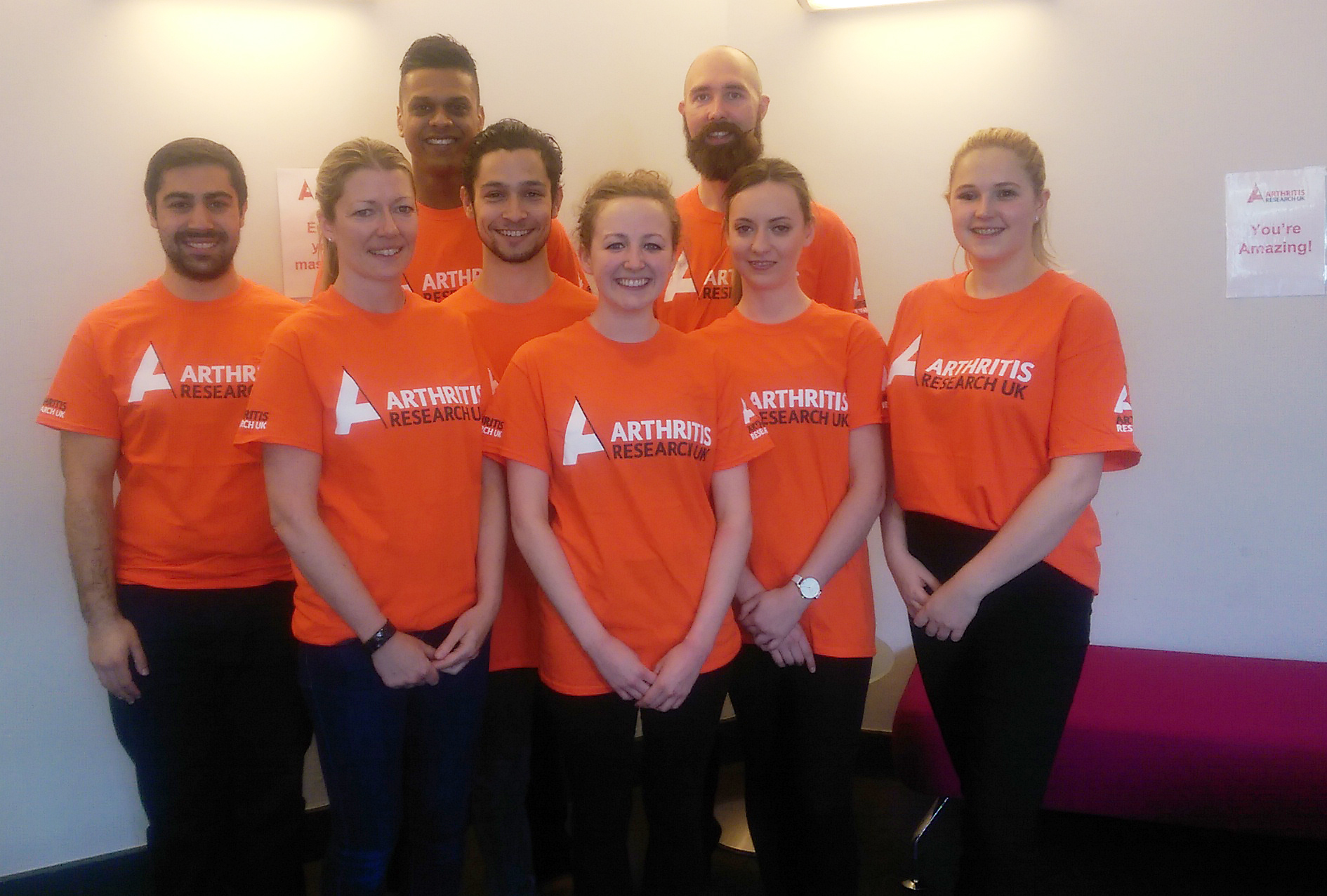 BCOM students support runners at the London Marathon